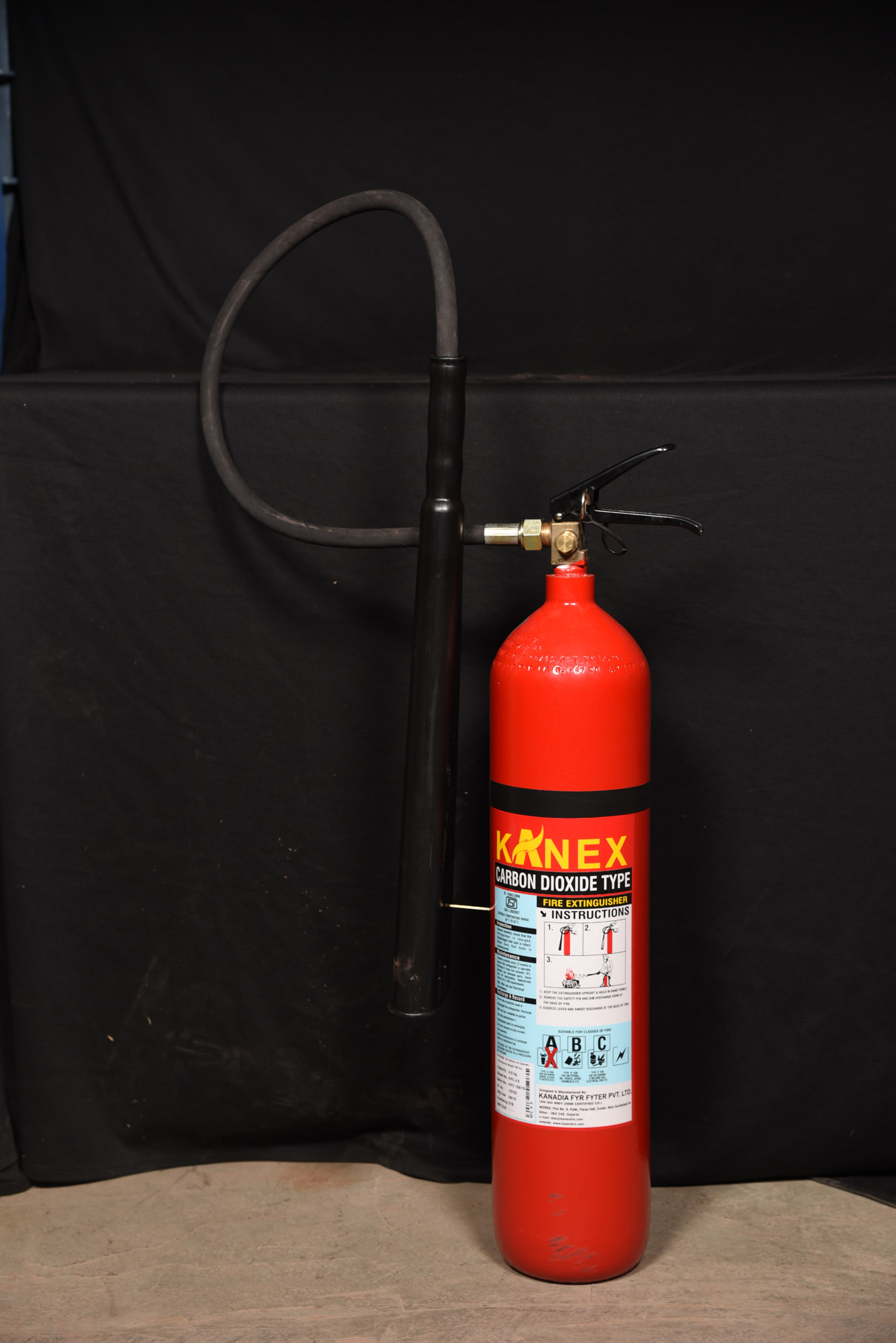 CARBON DIOXIDE - C02 GAS BASED FIRE EXTINGUISHERS